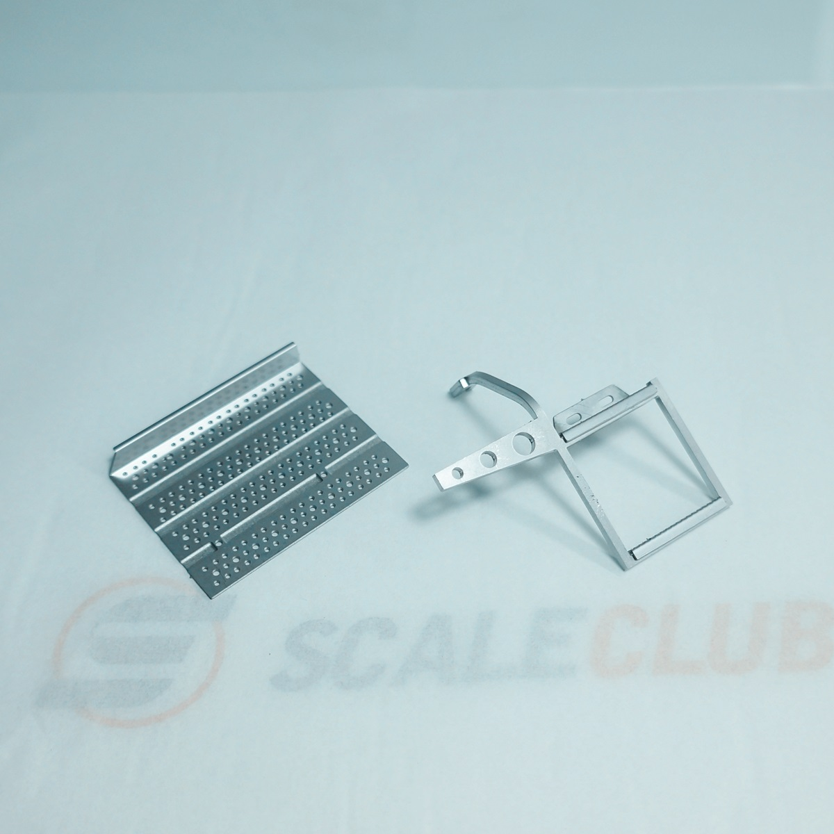 SCALECLUB  1/14 Universal  Metal upgrade battery box gas tank staircase pedal