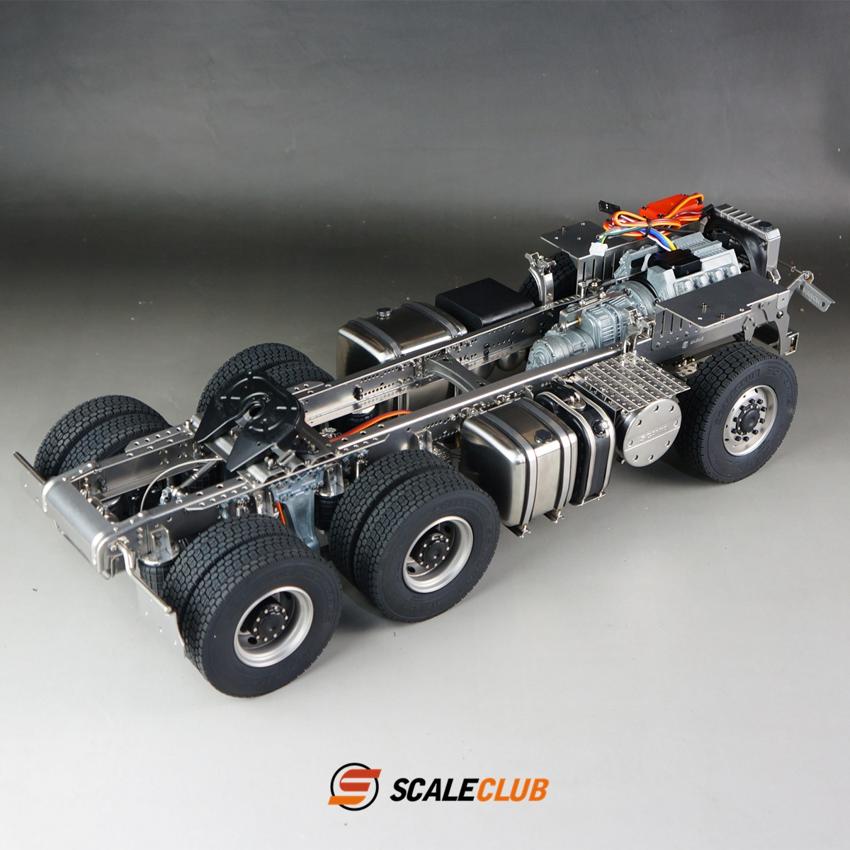 SCALECLUB  Scania  Metal 6x6 or 6x4 Chassis