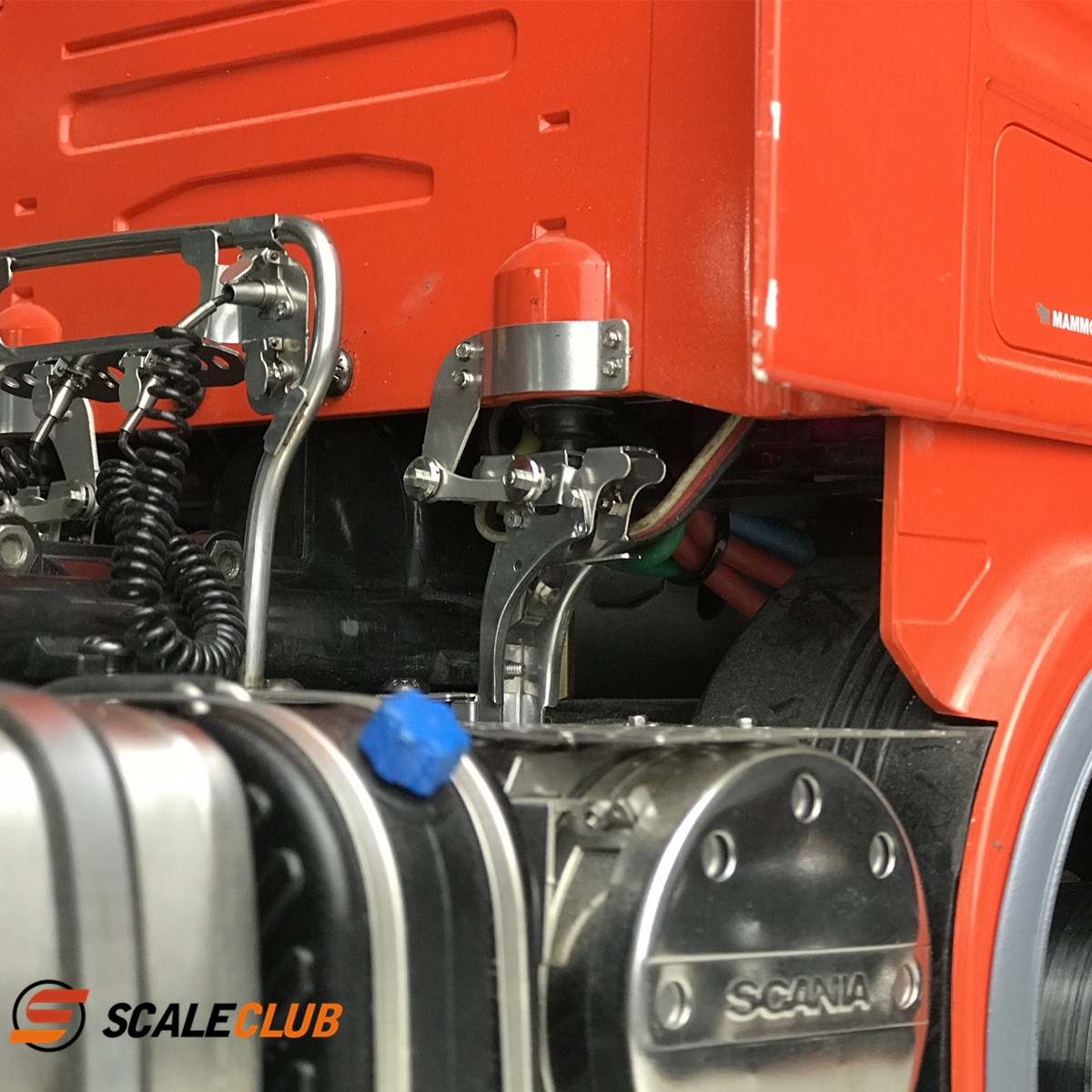 SCALECLUB  Scania  Simulated Metal Head Button
